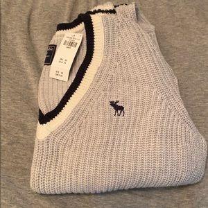 Icon V-Neck Sweater Grey
